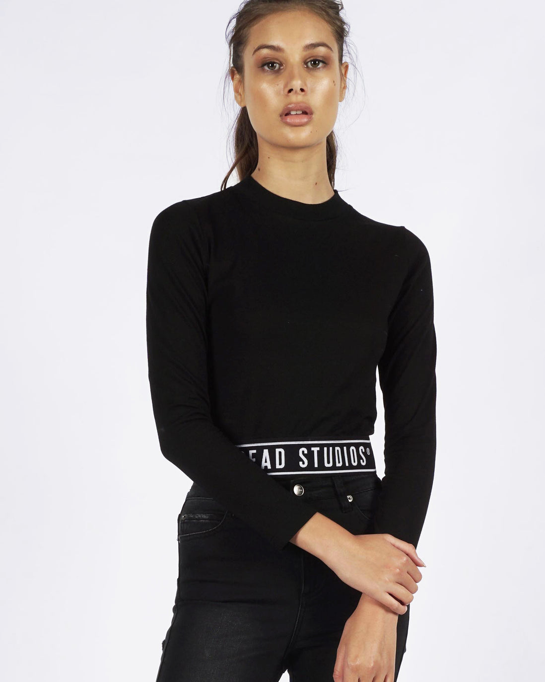 BAND LONGSLEEVE CROP - BLACK