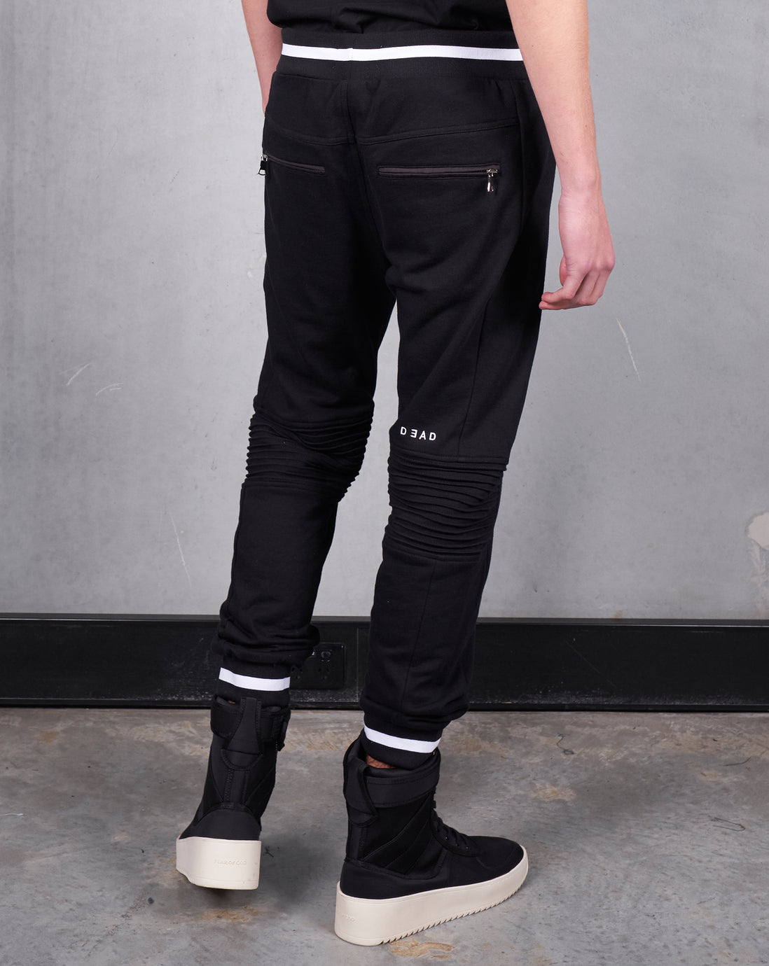 RESTRICTED TRACKIE - BLACK