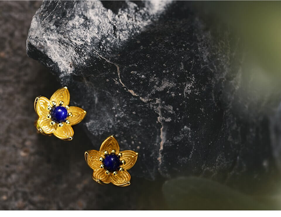 Flower Gold Stud Earrings