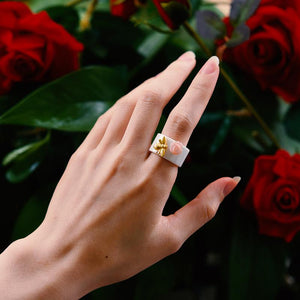 Bee Ring 18K Flower Ceramic