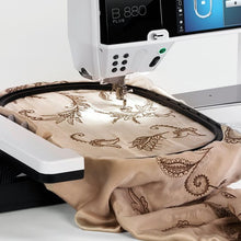Load image into Gallery viewer, Bernina 880 PLUS Sewing Machine