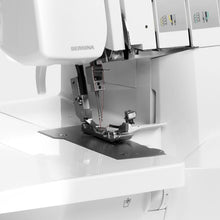 Load image into Gallery viewer, Bernina L460 Overlocker
