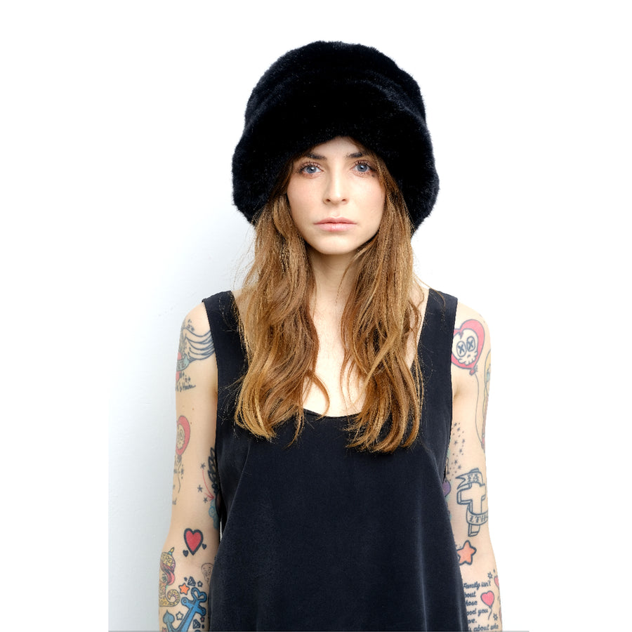 Fuzzy Cloche Black - Cult8