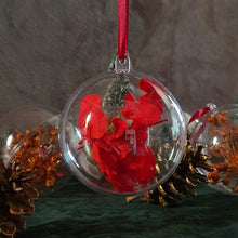 Load image into Gallery viewer, Dried Flower Christmas Ornaments