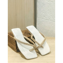Load image into Gallery viewer, Toe-Strap Abaca Flats