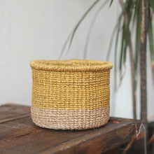 Load image into Gallery viewer, Abaca Round Planter