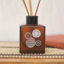 Load image into Gallery viewer, Cubed Artisan Reed Diffuser