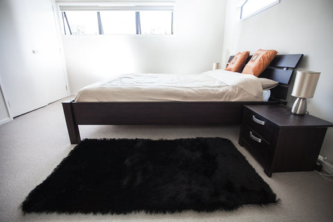 Picture of Luxury Silk Black Bedroom&Lounge Rug 1.5m X 0.8m
