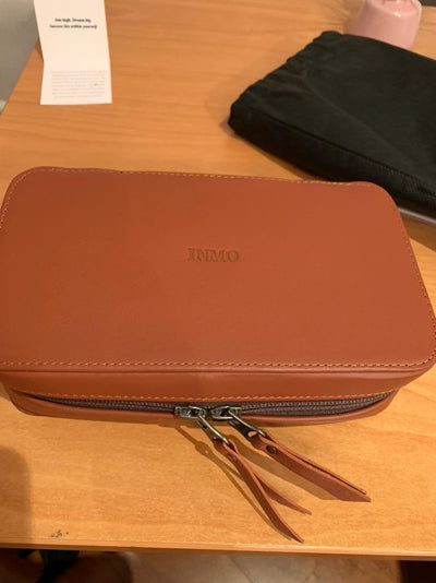 Tech Case Leather / Portacables Cuero Medium