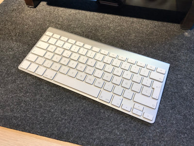 Magic Keyboard 1 - Apple
