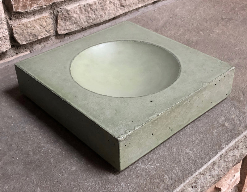 Seagrass Concrete Bowl