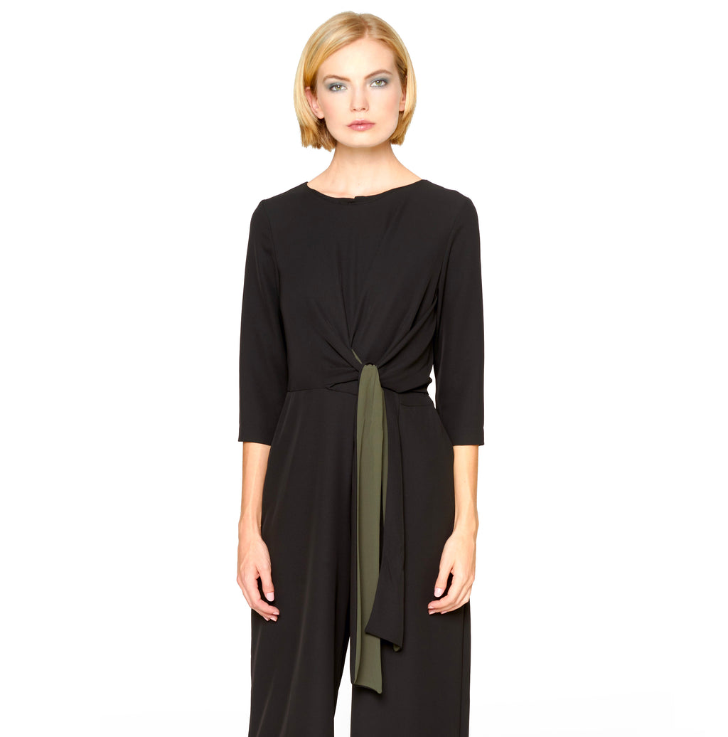 Jumpsuit: The Elegant Jumpsuit is a chic and trendy item to be flaunted on all occasions this Autumn/Winter 19/20