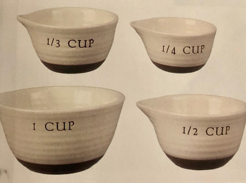 Farmhouse Two-Tone Measuring Cups
