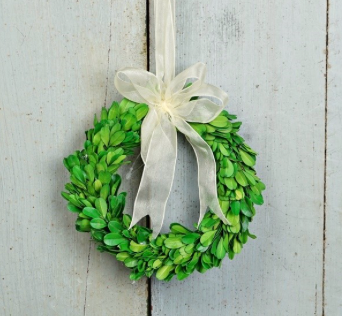 Boxwood Ring Ornament