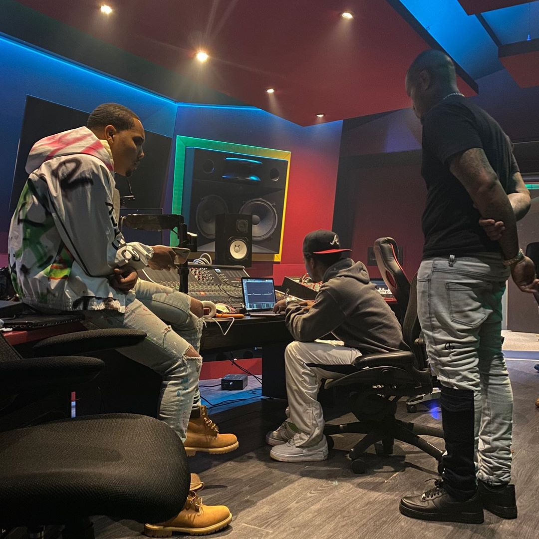 Pyrex Whippa making beats in studio with G Herbo