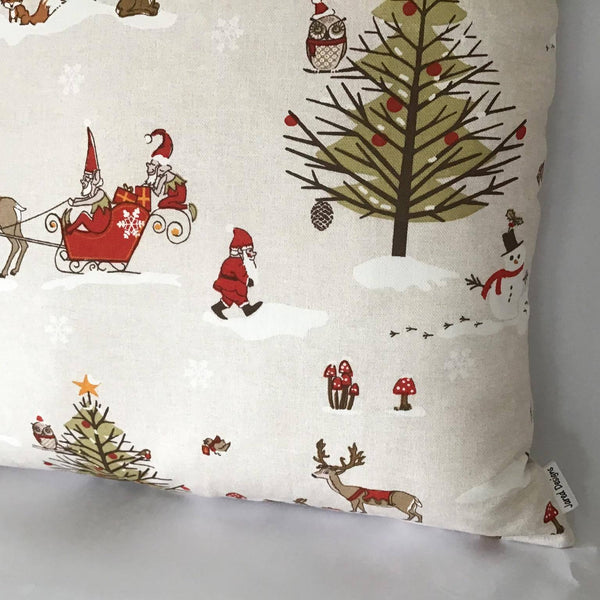 Winter Wonderland Cushion right corner