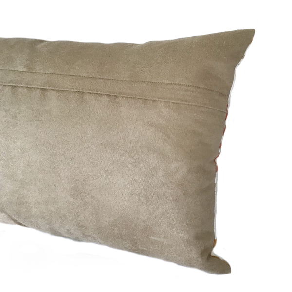Reverse cushion in brown