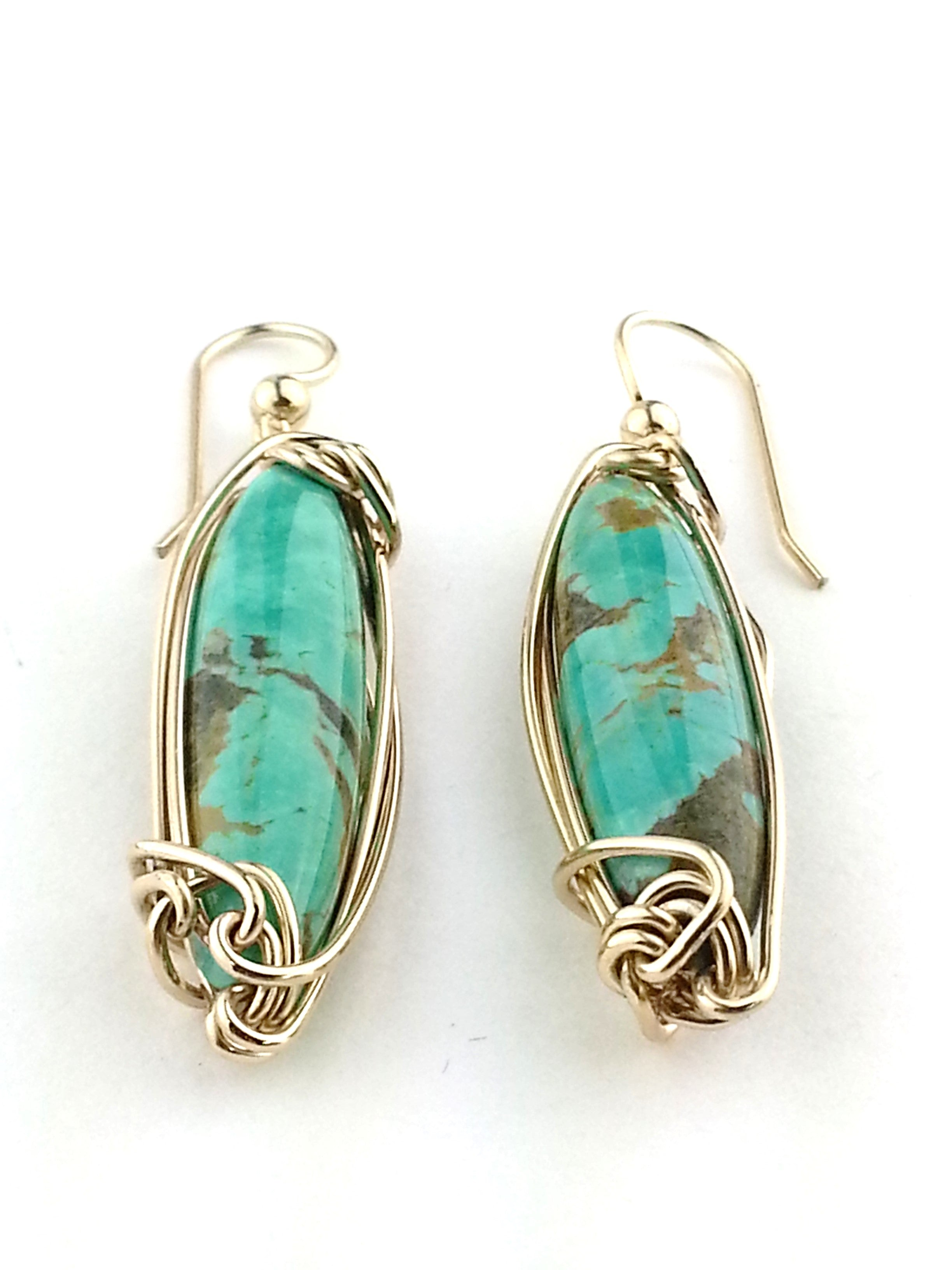turquoise-green-earrings-in-gold-wire