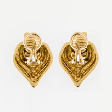 Load image into Gallery viewer, Vintage 1970s Charles Turi 18K Gold Earrings