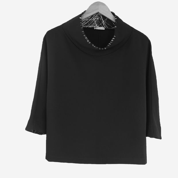 3/4 SLEEVE SHORT BOXY TOP WITH FABRIC NECK