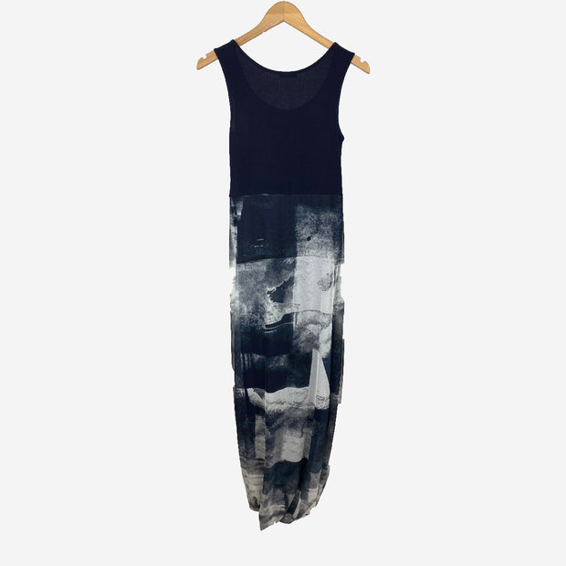 GRAPHIC PRINT OVERLAY BUBBLE HEM DRESS IN NAVY