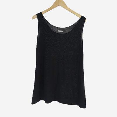 BLACK SLEEVESLESS VEST