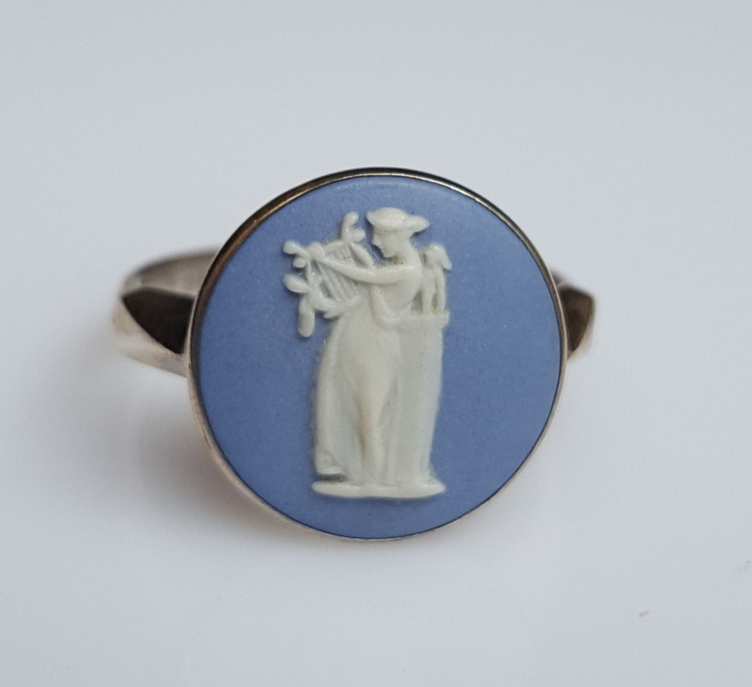 Ring - Estate - Wedgewood Cameo, blue in Sterling
