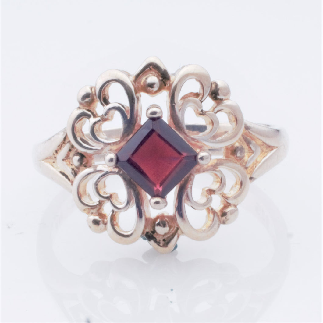 Ring - Estate - Garnet in Sterling (Jan birthstone)