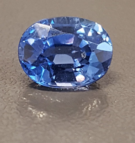 Gemstone - Sapphire, Blue (UNheated), very slight greenish-Blue color - 1.43 cts oval