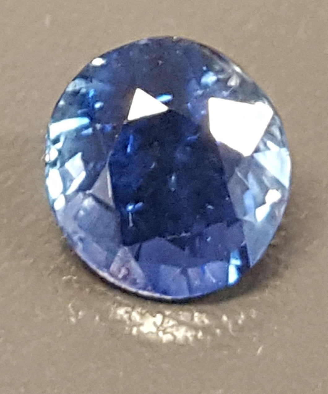 Gemstone - Sapphire, Blue (heated), bright color - 2.025 cts oval