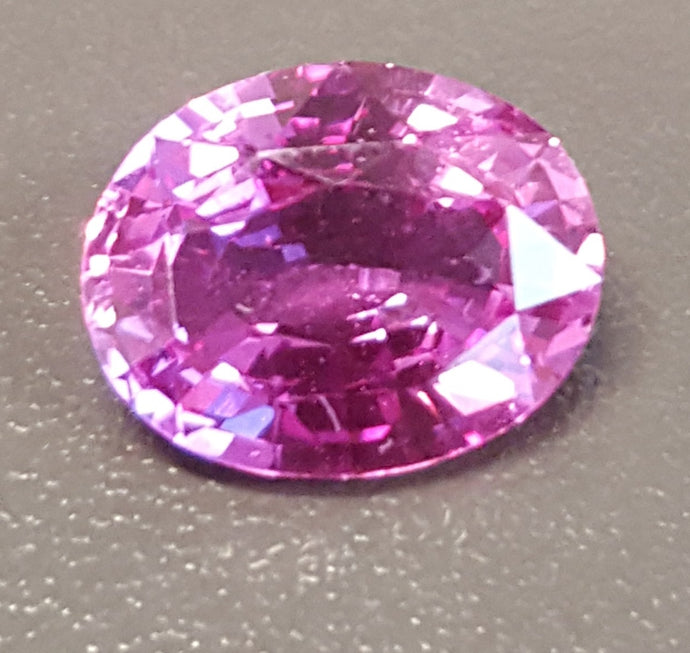 Gemstone - Sapphire, Pink (UNheated), bright color - 2.595 cts oval