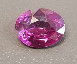 Gemstone - Sapphire, Fuscia (heated), amazing color - 1.23 cts oval