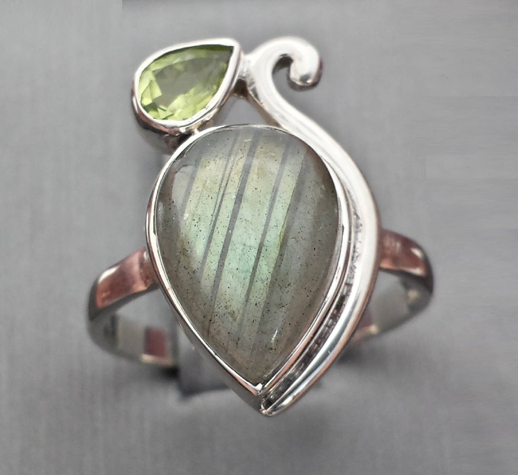 Ring - Labradorite and Peridot in Sterling - size 7