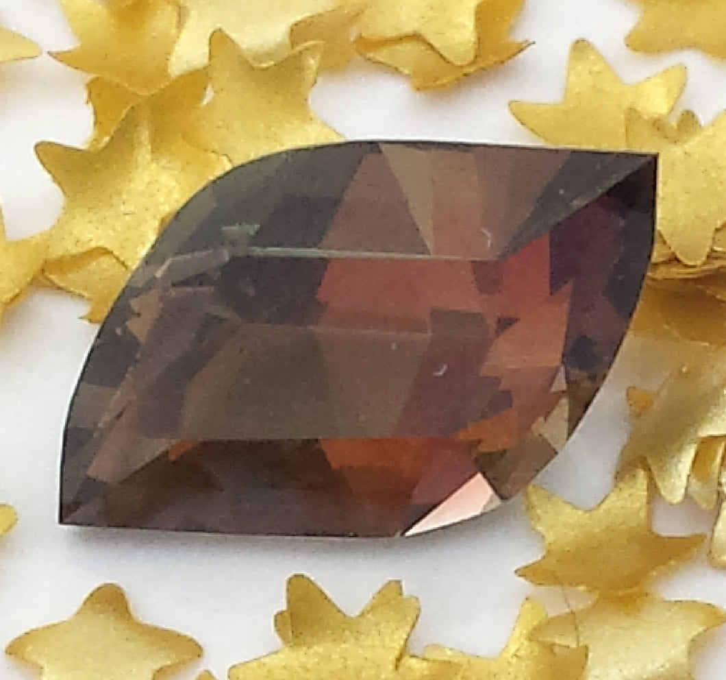 Gemstone - Andalusite (hand-cut), a unique collector stone - 1.46 cts assymetrical shape