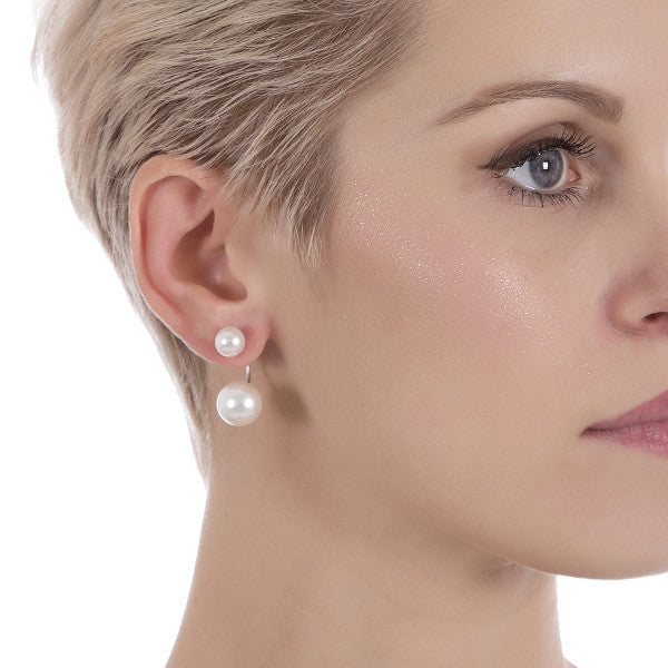 Asymmetric earrings with double white pearl