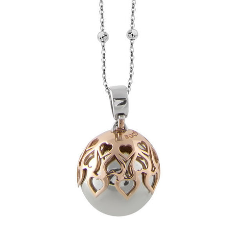 Necklace with sound pendant and the tunnel of hearts