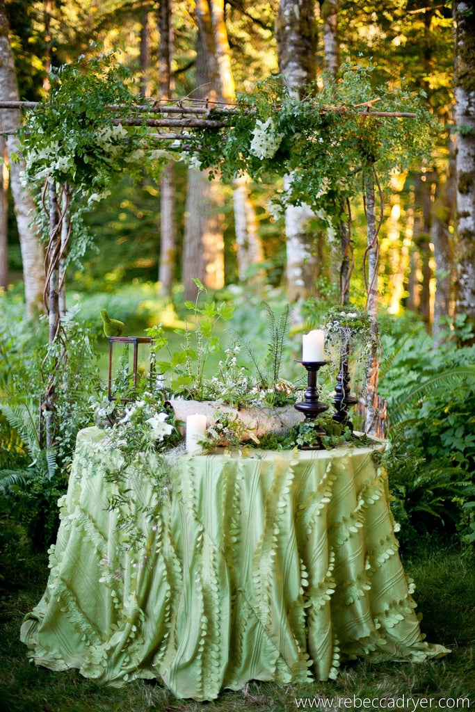 Green table decor for weddings