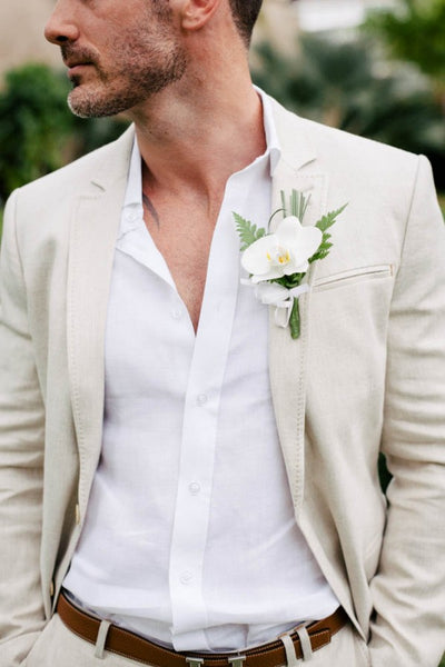 Groom dressed for a beach wedding