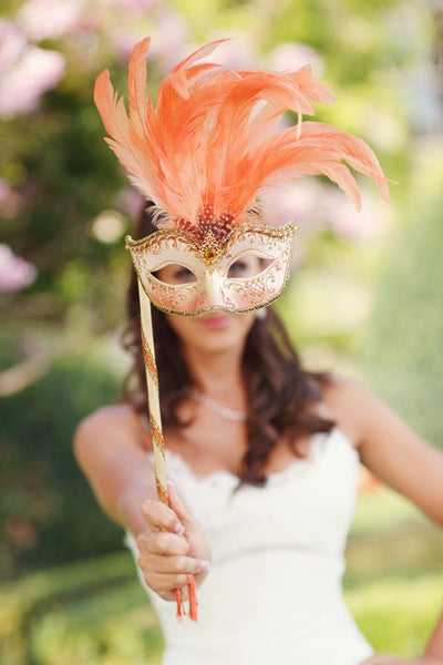 Feather mask for favors