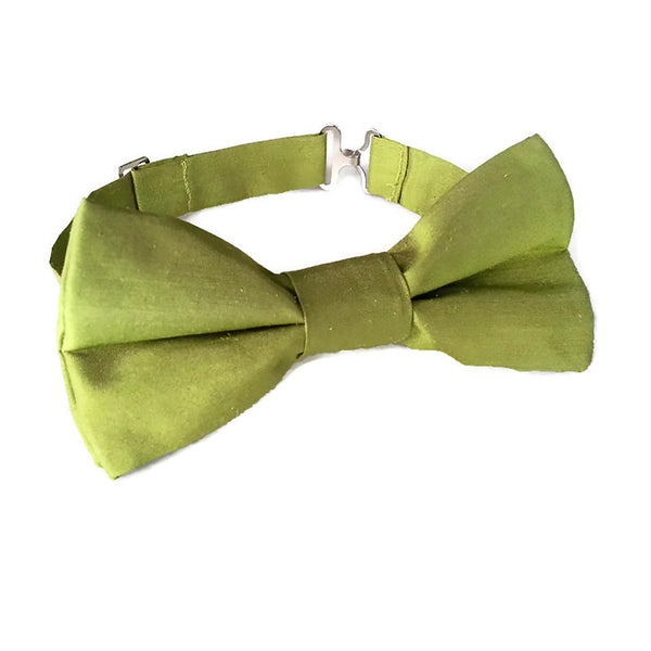Green silk boys bow tie with adjustable strap