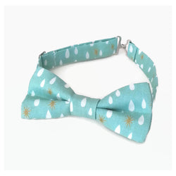 Seafoam organic cotton bow tie with raindrop print