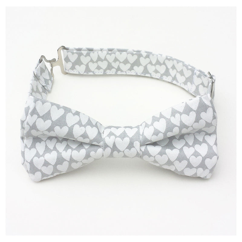 Gray bow tie with white heart print