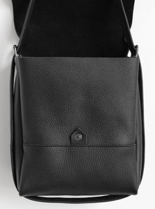 Golden loop. frrry. shoulder bag. loop handle strap. black. open.