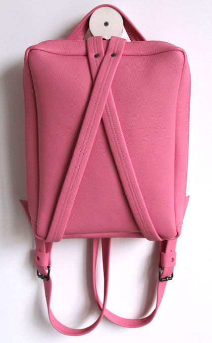 Fig backpack frrry pink. chrome-free leather.