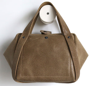 bes sabbia frrry leather bag, button, sand brown suede