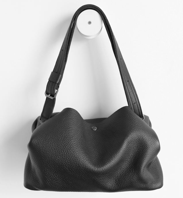 owl frrry bag leather. black. shoulder strap.