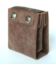 Load image into Gallery viewer, A4 wallet frrry suede sand sabbia vegetable tanned leather