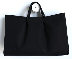 canvas beach frrry. cotton. black. adjustable handle. big bag