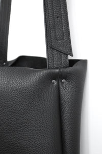 frrry carrier black detail