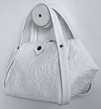 Load image into Gallery viewer, bes frrry bag white paper-effect leather.